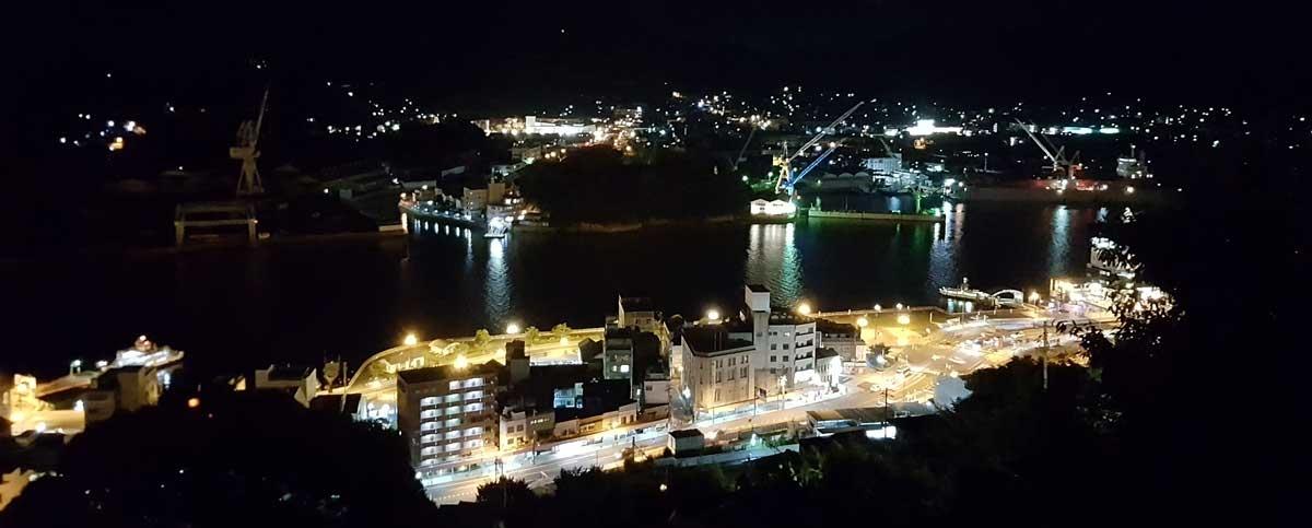 Panorama nocturne d'Onomichi