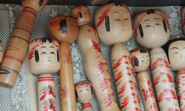 """Qu'est-ce qu'une """"poupée Kokeshi"""" ?"""